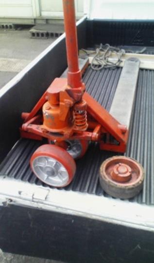 キャッチパレット 車輪交換修理